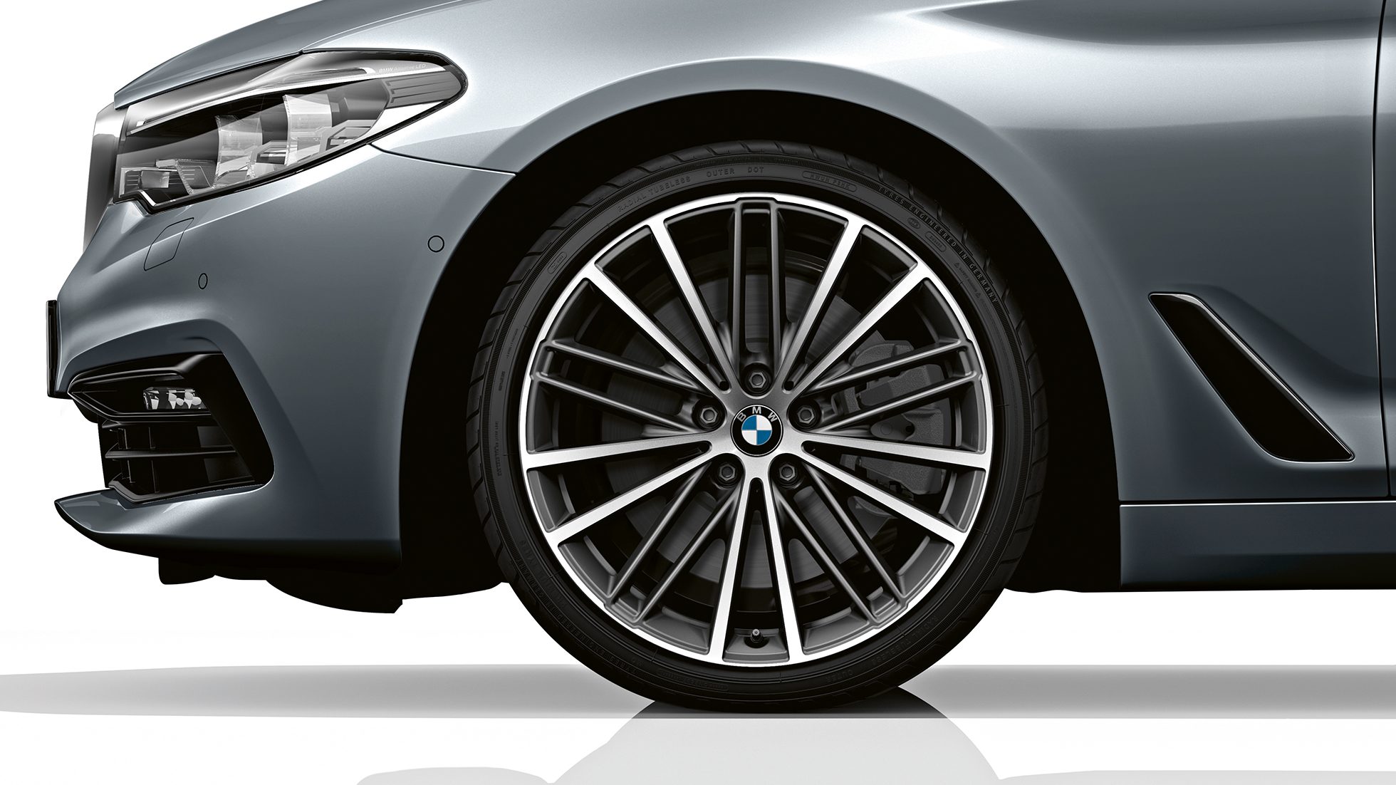 bmw-5-touring-models-equipment-lines-02-03