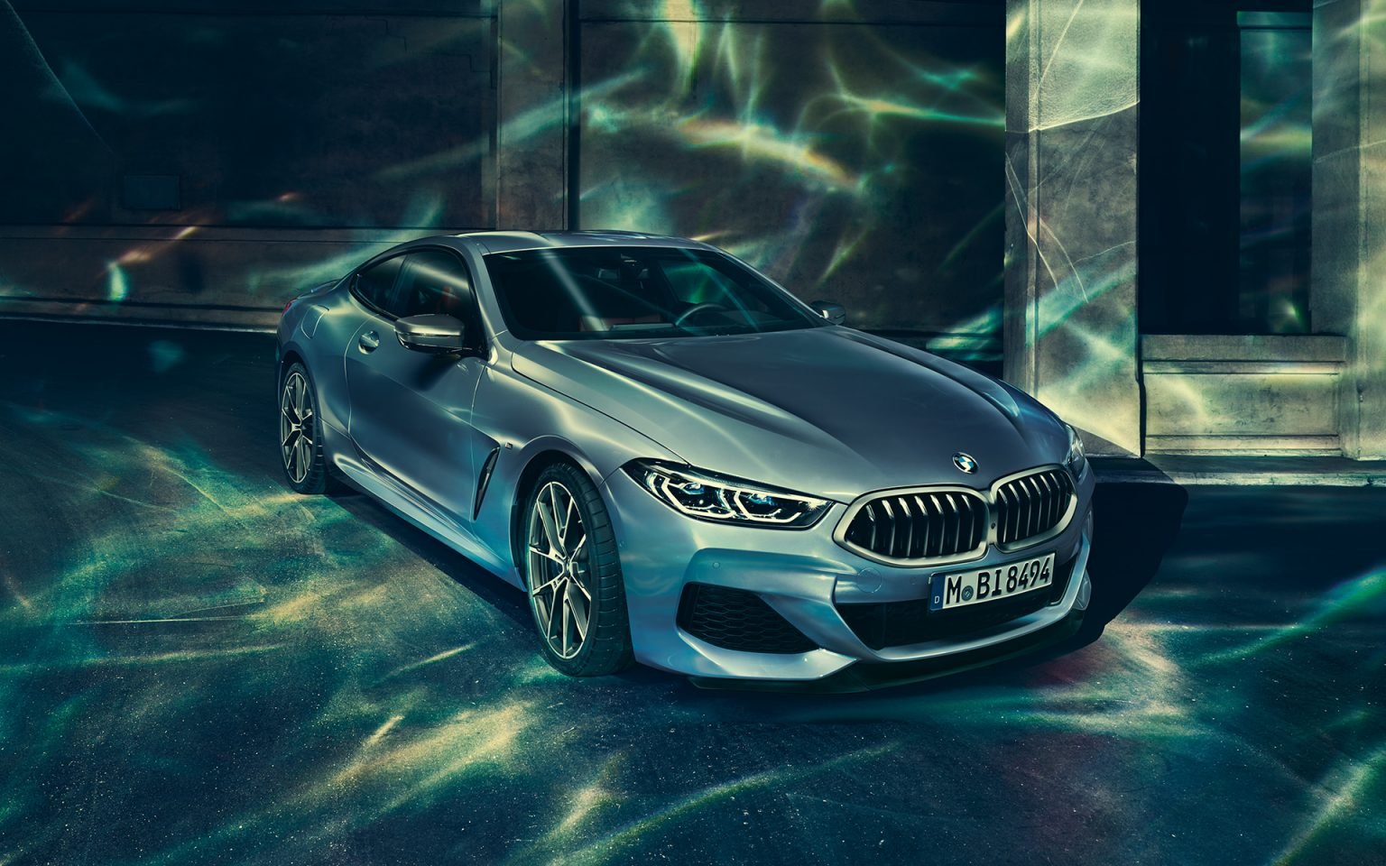 bmw-8series-coupe-gallery-wallpaper-02.jpg.asset.1527577197149