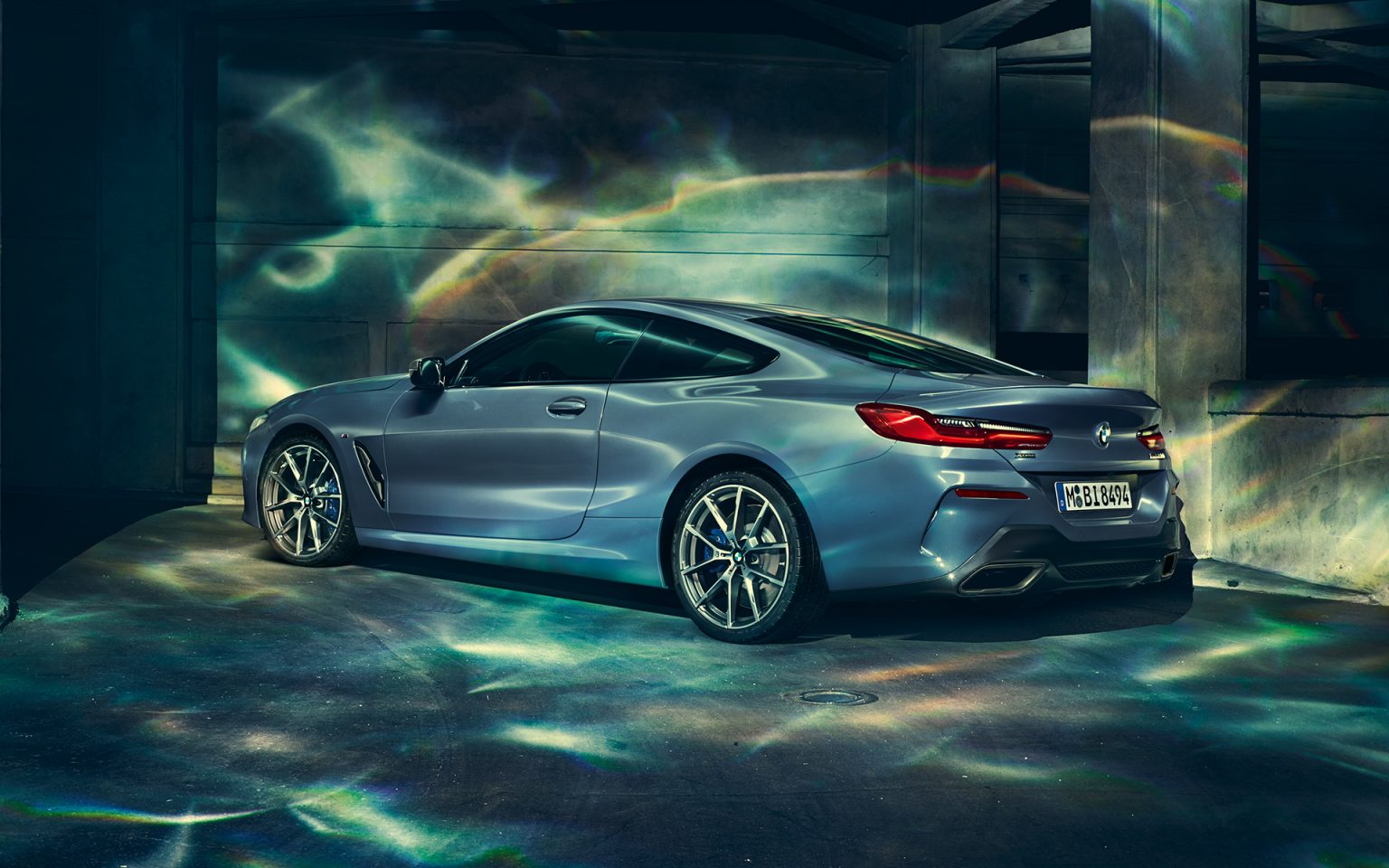 bmw-8series-coupe-gallery-wallpaper-03.jpg.asset.1527577199065