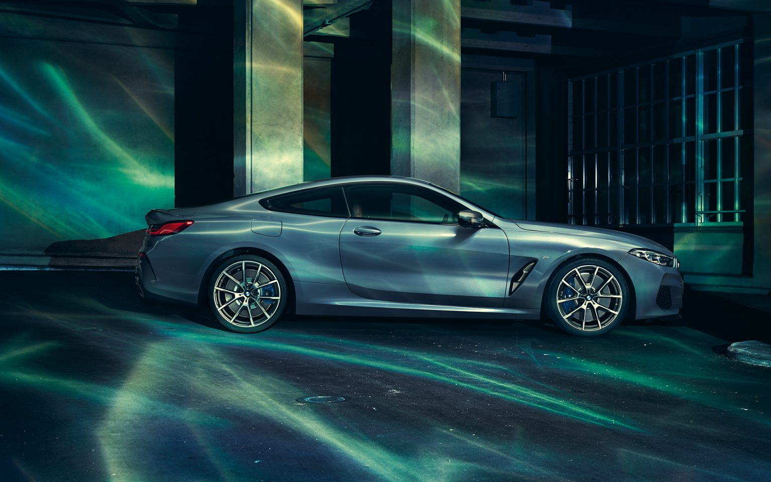bmw-8series-coupe-gallery-wallpaper-04.jpg.asset.1527577199013
