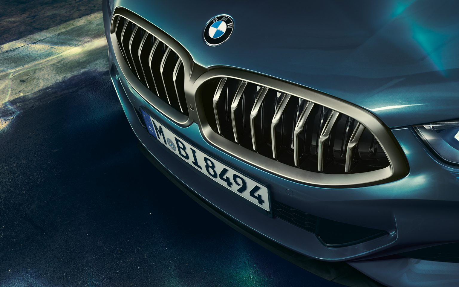 bmw-8series-coupe-gallery-wallpaper-07.jpg.asset.1527577209589