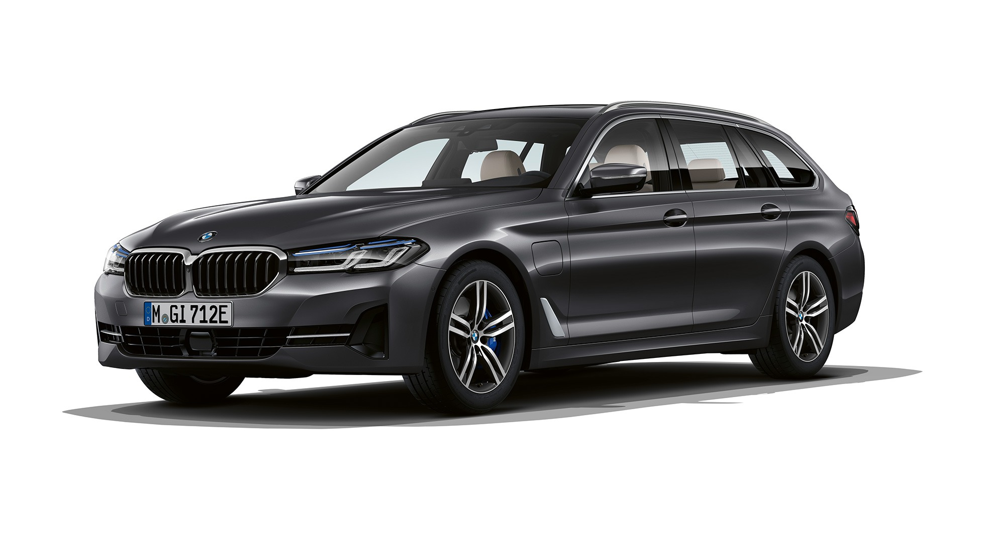 bmw-5-series-touring-models-and-equipment-lines-01-01