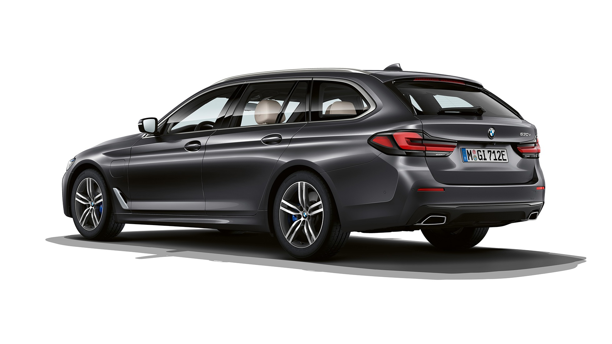 bmw-5-series-touring-models-and-equipment-lines-01-02